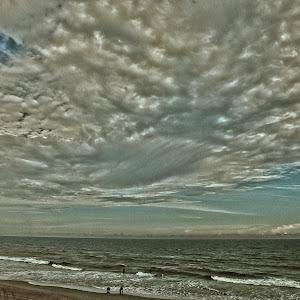 cloudsoceanoil1.jpg