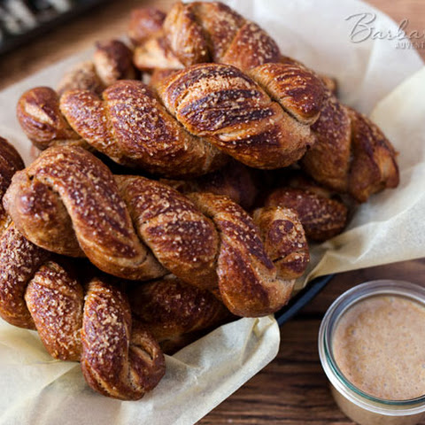 Cinnamon Pretzel Twists