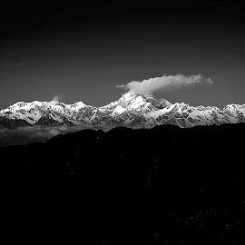 kanchanjunga by Abhijit Roy - Novices Only Landscapes ( uncategorized, kanchanjunga, mountain, black and white, landscapes, zuluk )
