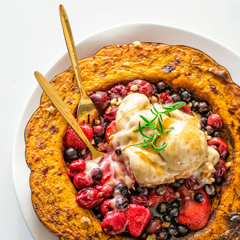 BERRY PUMPKIN BOWL WITH BANANA ICE CREAM