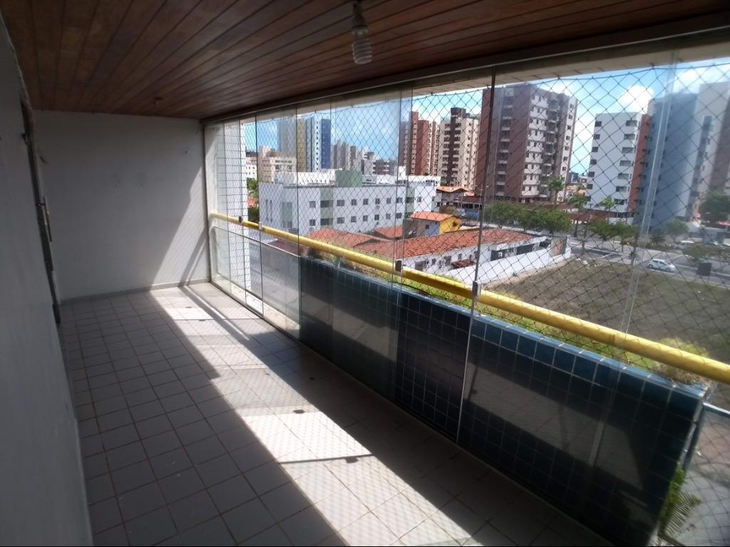 Apartamento com 3 dormitórios à venda, 140 m² por R$ 220.000 - Aeroclube - João Pessoa/PB