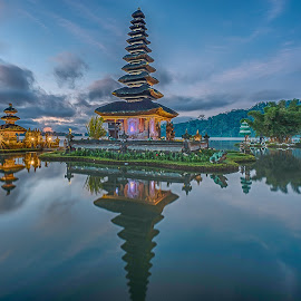 by Lim Keng - Buildings & Architecture Places of Worship