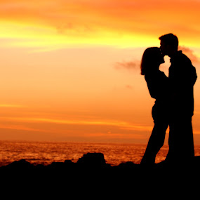 beautiful sunset silhouette by Scott Nelson - People Couples ( beautiful sunset silhouette )