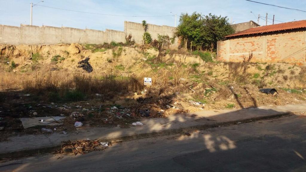 Terrenos à venda, Vila Carmo, Capivari.
