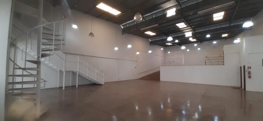 Galpão para alugar, 630 m² por R$ 6.800,00/mês - São Benedito - Uberaba/MG