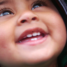 Beautiful smile by Raajesh Thakur - Babies & Children Babies
