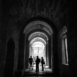 Silhouette by Selim Vardım - People Street & Candids ( hdr, church, black and white, silhouette, poeple )