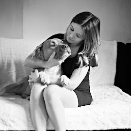 Elle & lui by Fraise Des Bois - Black & White Portraits & People ( girl, lovely, alsace, house, dog )