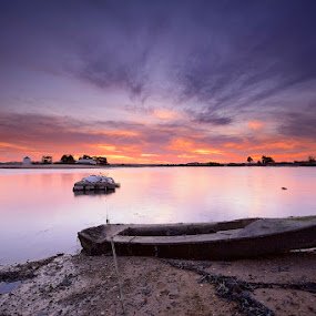 Retired II  by Rui Catarino - Landscapes Waterscapes ( sky, barcos, sunset, boats, margem sul, estuário, rio tejo, barreiro, pôr do sol )
