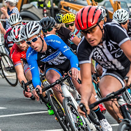 Making the Corner by Mike Watts - Sports & Fitness Cycling ( bike, raceing, cycling, men )