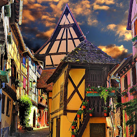 Eguisheim - La petite maison by Gérard CHATENET - Digital Art Places