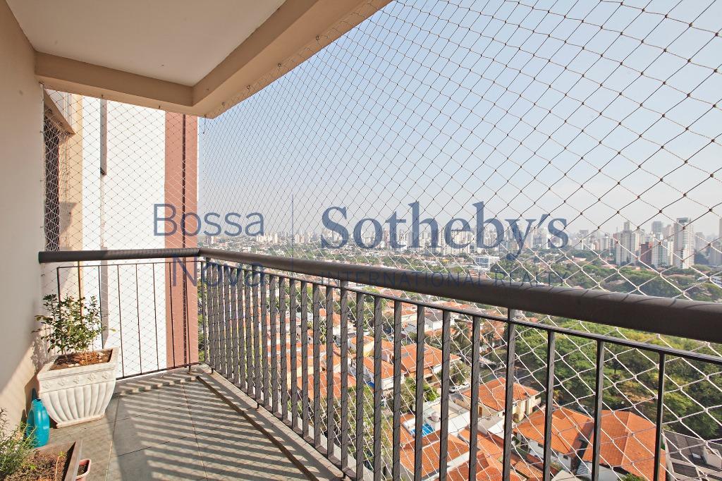 Apartamento em andar alto com linda vista