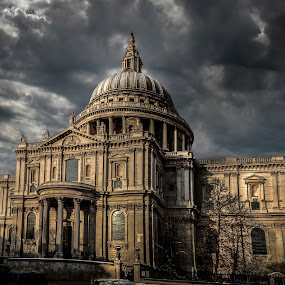 St Paul's Cathedral  by Sam Shoesmith - Instagram & Mobile iPhone ( st. pauls, cathedral )
