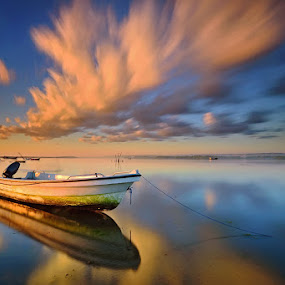 Going Nowhere by Hendri Suhandi - Landscapes Travel ( bali, tuban, indonesia, cloud, long exposure, travel, sunrise )