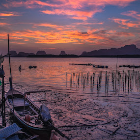 The mooring life  at Sam Chong Tai, by Waraphorn Aphai - Landscapes Sunsets & Sunrises ( life, village, shadow, silhouette, phang nga, thailand, vibrantsky, fisherman, boat, morning, samchongtai )
