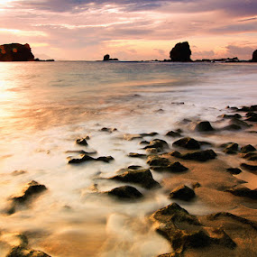 Papuma by Kadetz Soewoko - Landscapes Sunsets & Sunrises ( jember, indonesia travel beach slowspeed )