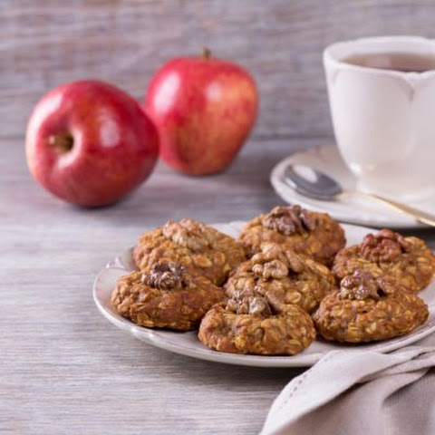 Chewy Apple Spice Oatmeal Cookies