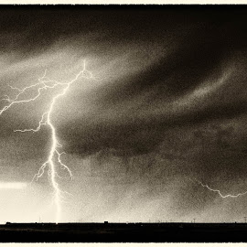 Lightning on Prairies by Ian Centric - Landscapes Weather