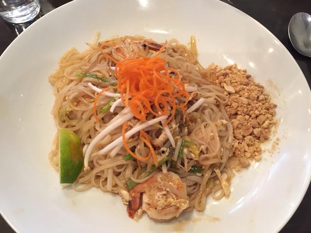 GF shrimp pad Thai