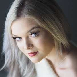 by Andrew Walmsley - People Portraits of Women ( f1.8, manual focus, portrait, retro lens )