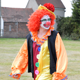 Clowning by Neil Wilson - People Musicians & Entertainers
