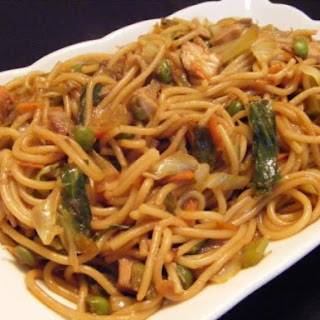 3. Easy Chicken Lo Mein