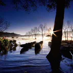 I Heart Morning in Tamblingan Lake by Hendri Suhandi - Landscapes Travel ( bali, landscape )