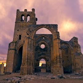 Iglesia de Santa Eulalia. by Lourdes Ortega Poza - Buildings & Architecture Statues & Monuments ( ojival, españa, iglesia, monumento, fortificada, gotico, publico )