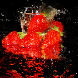 strawberry with water reflections by LADOCKi Elvira - Food & Drink Fruits & Vegetables ( fruits )