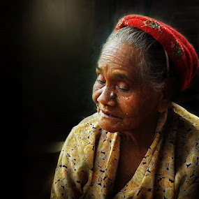 by Randy Rakhmadany - People Portraits of Women ( senior citizen )