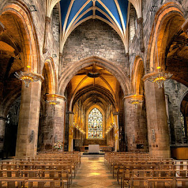 St Giles' Cathedral Edinburgh by Ivan Ivanov - Buildings & Architecture Places of Worship ( edinburgh, hdr, historic district, cathedral, worship )