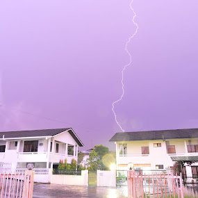Thor by Mohamad Sa'at Haji Mokim - Landscapes Weather ( lightning, sky, weather, long exposure, house )