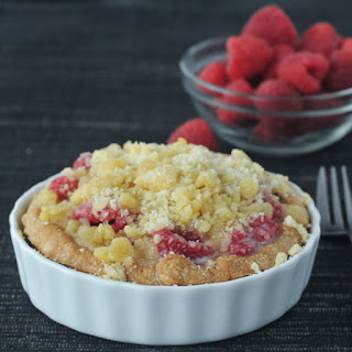 Raspberry Cream Crumble Pie
