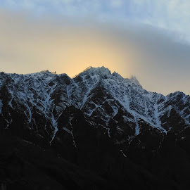 Remarkables Sunrise in Winter by Perla Tortosa - Instagram & Mobile Android ( mountains, winter, snow, lake, sunrise,  )