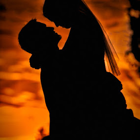 by John Kincaid - Wedding Bride & Groom