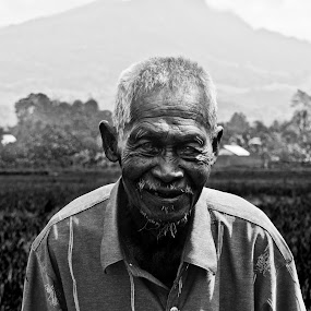 .......... by Zulkifli Sukarta - People Portraits of Men