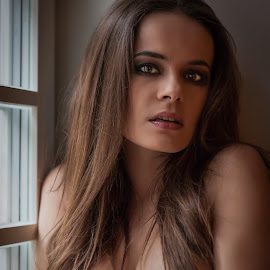 Agata by John Einar Sandvand - Nudes & Boudoir Artistic Nude