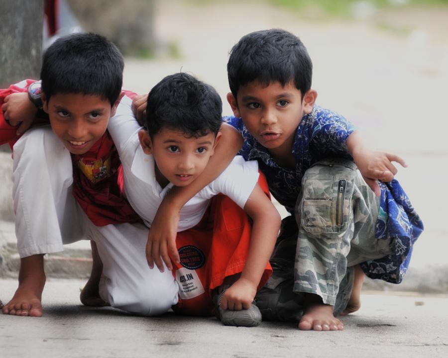 Look..! by Farid Yuwono - Babies & Children Children Candids ( children )