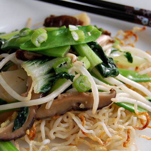 Cantonese-Style Vegetable Chow Mein