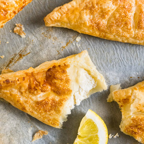 Lemon Puff Pastry Pockets