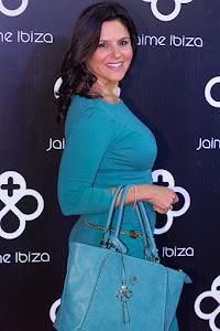 MÓNIkA SÁNCHEZ apasionada de los accesorios y bolsos Jaime Ibiza.