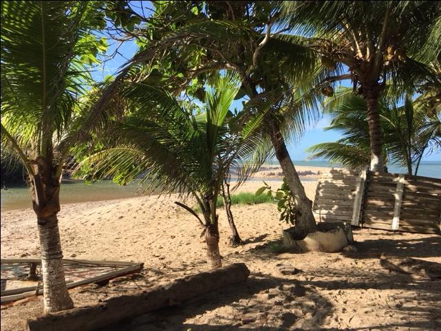 Terreno, 450m² apenas a 100 metros da praia!