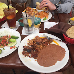 GF and DF carnitas! Delish and our server was great with the allergy issue. Do not have chips or cheese sauce that comes with chips.