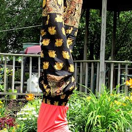 Forearm headstand by Jodi Mara - Sports & Fitness Fitness (  )