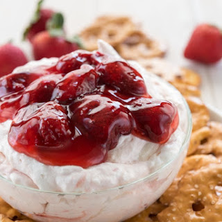 Strawberry Pretzel Salad Dip