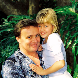 Daddy's Girl by Ingrid Anderson-Riley - People Family
