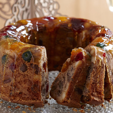 Candied Fruit Wreath Cake