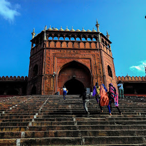Way to Jama Masjid by Sidd Harth - Buildings & Architecture Statues & Monuments ( mobilography, photojournalism, india, architecture, jama masjid, delhi )