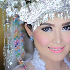 Lahat Bride by Tofan Wisuda Nova - Wedding Bride ( canon, south sumatera, palembang, sumatera selatan, lahat photographer, indonesia, fotografer lahat, nikkor, beauty, lahat, photofan )