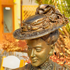 The lady with a hat by Radu Eftimie - Buildings & Architecture Statues & Monuments ( statue, city of craiova, romania )
